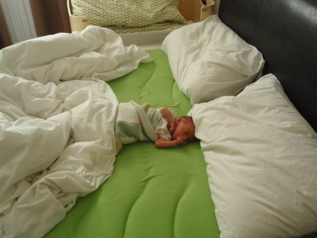 Onveilig samen slapen met baby
