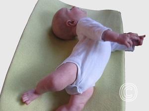 Overstrekken is één van de kenmerken van onrustige, prikkelbare baby's