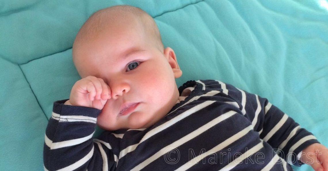 Baby slaapsignalen en hongersignalen