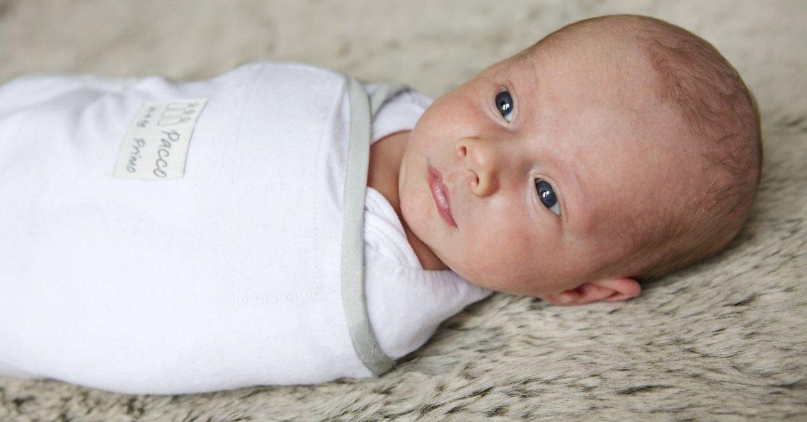 Wanneer helpt inbakeren je baby bij het slapen?