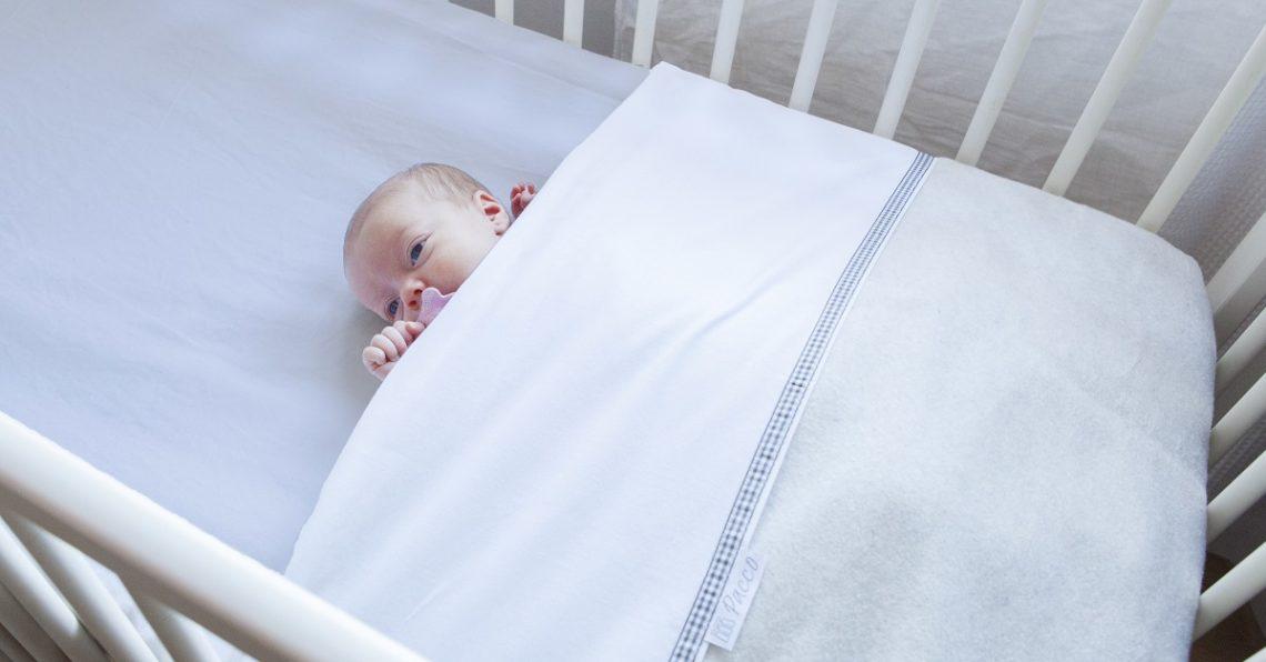 Wanneer je baby niet (meer) inbakeren?
